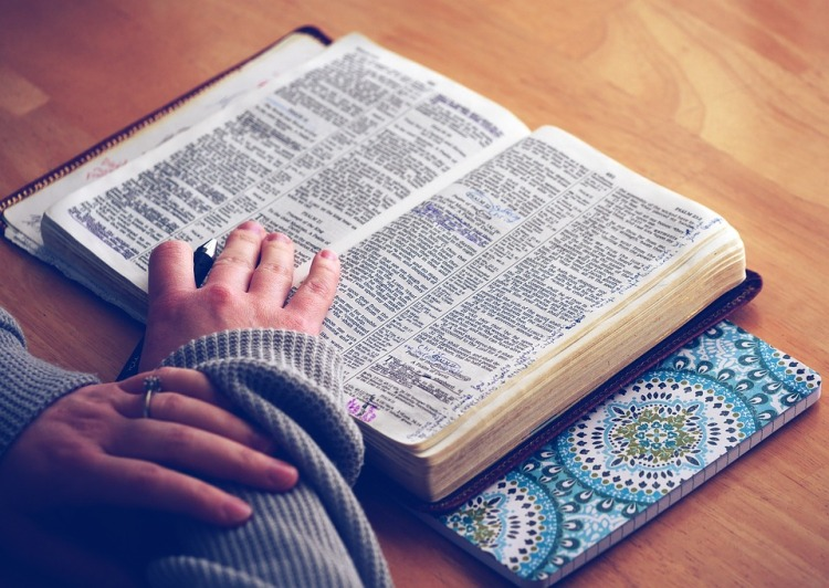 New Year\'s Challenge: Read the Bible in a Year! – Jackie & Bobby